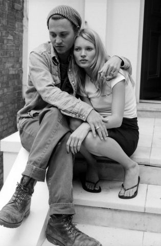 johnny-depp-and-kate-moss-2-315x480 Johnny Depp - L'uomo dai mille volti e dalle tante conquiste