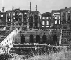 Armata Rossa : tra furti e distruzioni