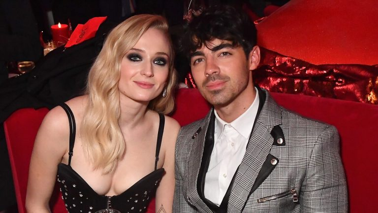 Joe Jonas e Sophie Turner, matrimonio folle a Las Vegas per il cantante e la star di Game of Thrones