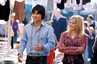 download-320x212 Vintage Friday: Lizzie McGuire, l'idolo delle teenager