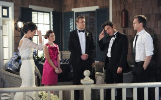 9047f1a6315f0404f04fbfbec42a12eb-320x199 How I Met Your Mother: oggi la serie compie 15 anni