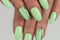 Unghie Green Pistacchio, una manicure pastello elegante e trendy